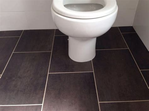 vinyl bathroom amtico  flooring group