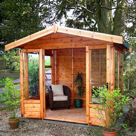 newland apex summerhouse  malvern berkshire garden