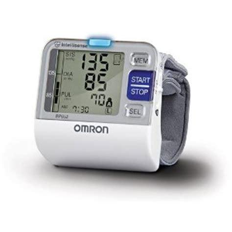 Best Blood Pressure Monitors 2019 (Wrist/ Upper arm) For