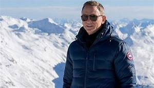 Daniel Craig Wearing The Canada Goose Lodge Jacket During The Photocall For The New James Bond