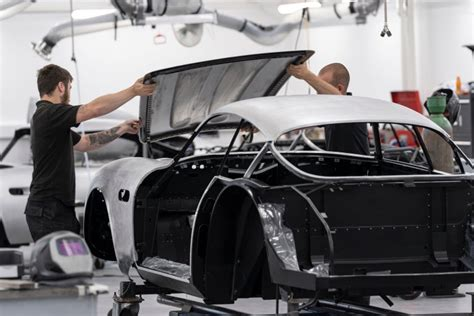 Aston Martin Shows Work Progressing On €�continuation' Cars
