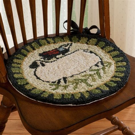 Primitive Hooked Chair Pads by 1000 Images About Rug Hooked Chair Pad On