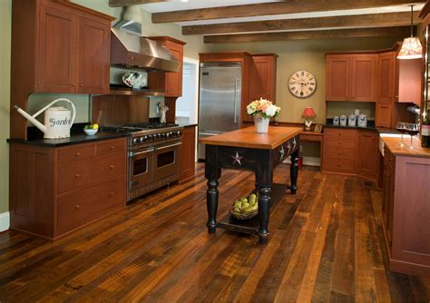 Red Pine Flooring: Affordable and Attractive Flooring