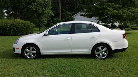 Sell Used 2008 Volkswagen Jetta 2.5l White 4-door Sedan