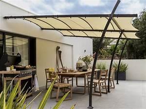 terrasse couverte 13 solutions legeres pour se mettre a With la maison du fer forge 4 pergola tonnelle store en bois en fer ou en tale pour