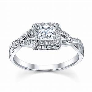 princess cut diamond rings on finger princess cut With princess cut engagement rings and wedding bands