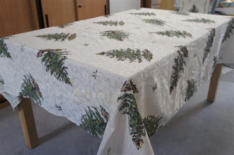 Wholesale Christmas Embroidery Table Runner Satin