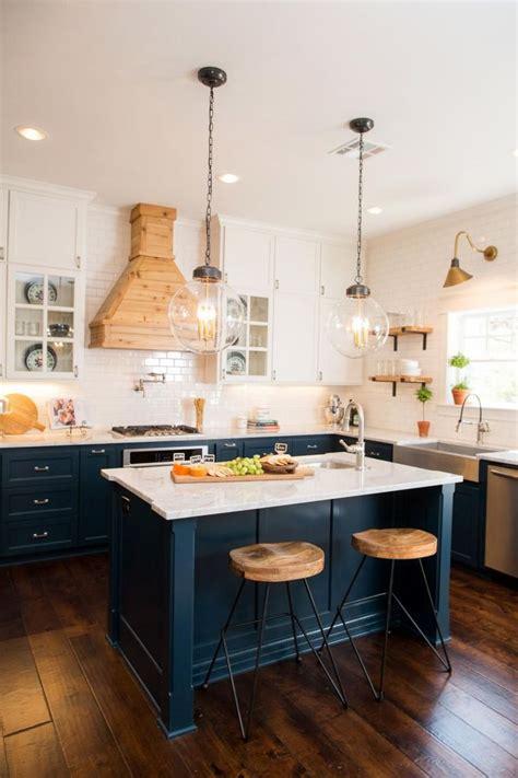 navy cabinets ideas  pinterest navy kitchen