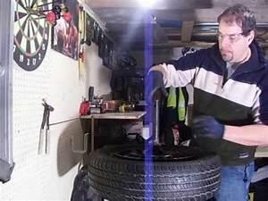 Machine A Pneu Moto : machine a monter et d monter les pneus manuel fait ~ Melissatoandfro.com Idées de Décoration