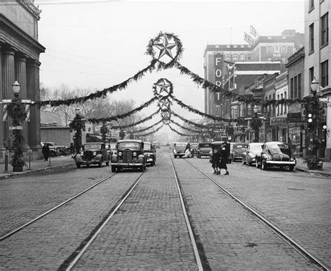 Quad-Cities Memories: Christmas Time in the 1940s – Pediment