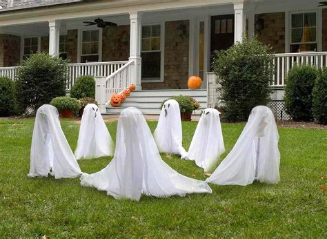 The Best Outdoor Halloween Ghost Decorations