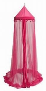 Ciel De Lit Bébé Fille : ciel de lit rose pour d corer une chambre de fille en chambre de princesse d corer ~ Teatrodelosmanantiales.com Idées de Décoration