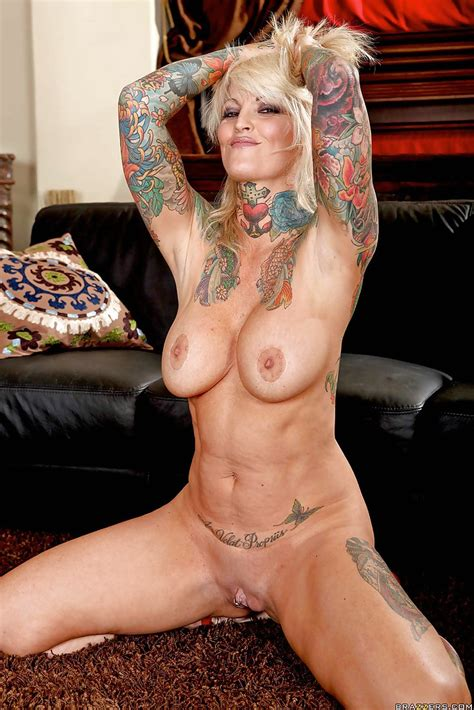 Milf Pornstar With Tattoos Hot Nude 18