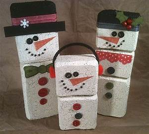 Crackle medium for faux wood crafts—Christmas in July