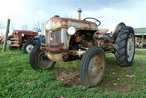 Rusty Old Ford 8N Tractor   Antique Tractor Parts Vevay