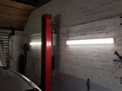 Best Led Garage Lights 2018 [lighting Ideas For Workshop]