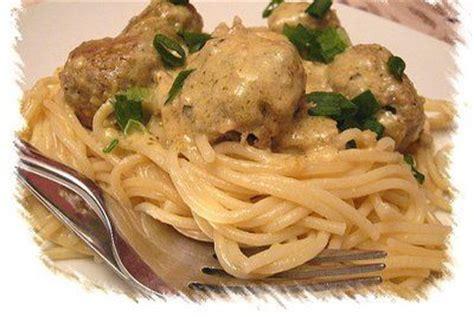 recette de plat p 226 te aux boulettes de poulets mes recettes 224 partager