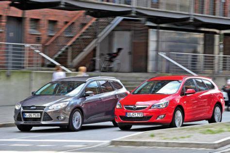 Ford Opel by Kombi Vergleich Ford Focus Turnier Gegen Opel Astra