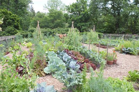 chanticleer garden wayne pa gardening state