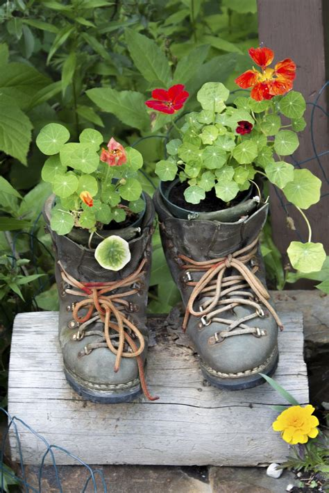 Upcycling Ideen Garten by What Is Garden Upcycling Upcycled Garden Projects From
