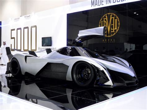 devel sixteen big rollers at 2013 dubai motor show automiddleeast com