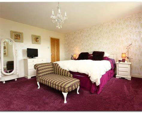 Fur Wallpaper For Bedrooms by Wallpaper For Walls Wallpapersafari