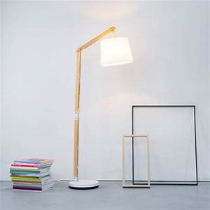 Stehlampe Aus Holz : moderne stehlampen holz ~ Indierocktalk.com Haus und Dekorationen