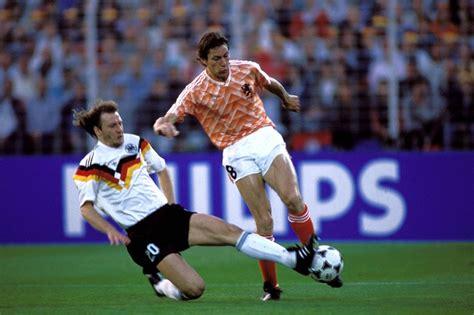 Welkom op de facebookpagina die in het teken staat van de fia europees kampioenschap (ax). Oranje Quiz: deze spelers kwamen voor Nederland uit op het ...