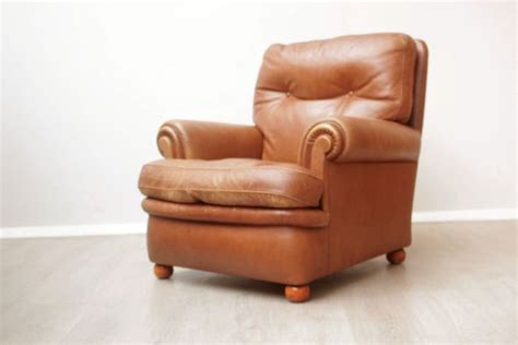 Brown Leather Vintage Design Armchair