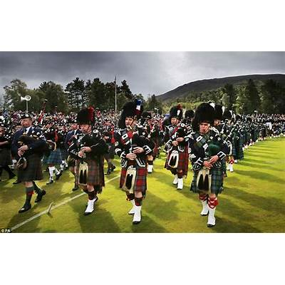 The Braemar Gathering - Best Highland GamesCLAN by