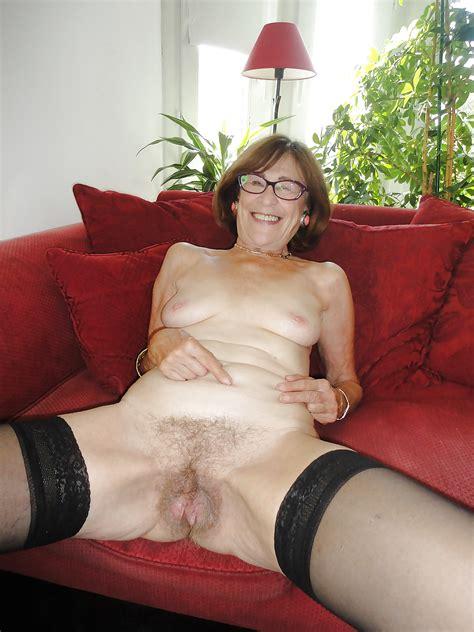 nylon granny pussy 45 pics