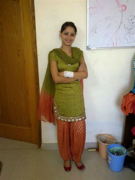 Beautiful Girls Pics Delhi School College Girls Photos