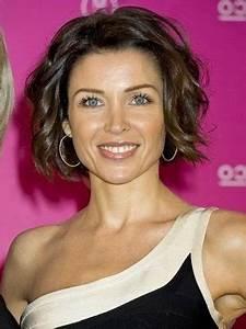 Halblange Frisuren Damen : frisuren frauen ab 50 mittellang ~ Frokenaadalensverden.com Haus und Dekorationen