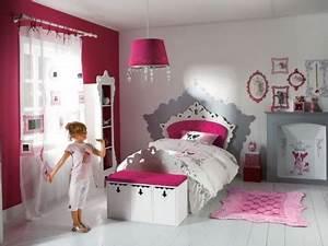 Deco Chambre Fille Princesse : chambre petite fille 3 ans ~ Teatrodelosmanantiales.com Idées de Décoration