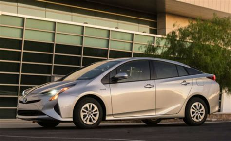 toyota prius   electrified car  consumer reports