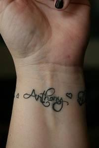 71 Attractive Stars Wrist Tattoos Design