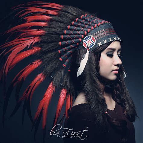 monster bego style wanita dengan balutan indian native
