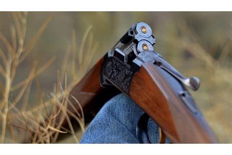 Kokneses novadā ar medību bisi sašauj automašīnu