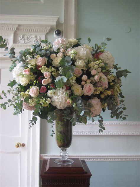 wedding florist london urns overflowing wedding