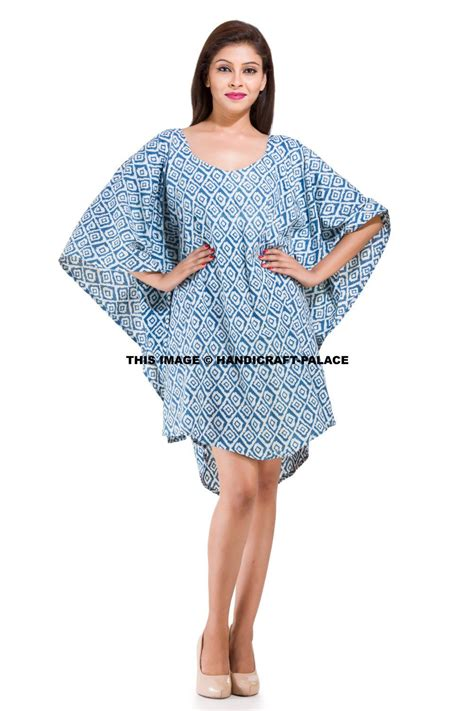 This Beautiful Poncho or can be called as Bikni Cover Up ...