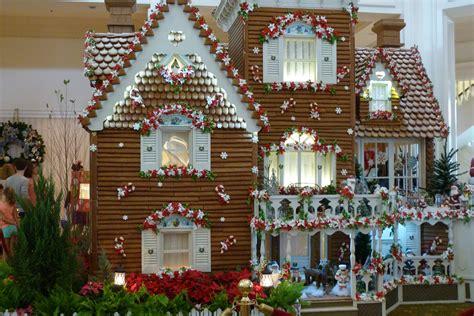 holiday decorations  walt disney world