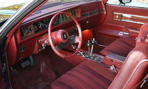 oldsmobile hurst  door  anniversary edition