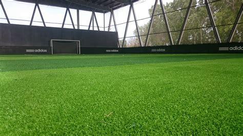 univers gazons fabricant de football indoor vous propose mod 232 le gazon et pelouse