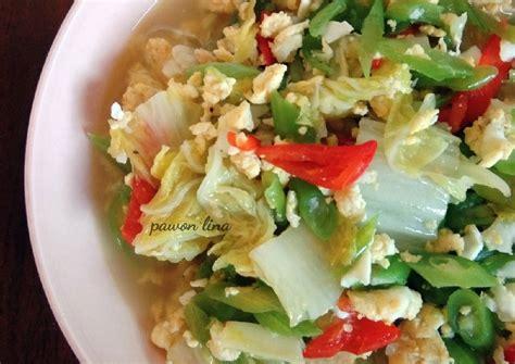 Bahan tumis bawang merah dan bawang putih sampai harum. Resep Sayur Buncis Sawi Putih & Telur oleh Pawon Lina ...