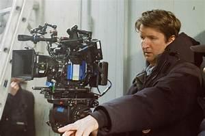 『リリーのすべて』トム・フーパー監督インタビュー、最初からリリー役はエディが最適と感じていた | シネマズ PLUS
