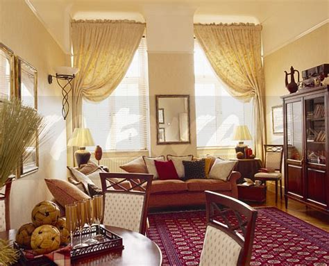 Cream Curtains And Patterned Red Oriental Carpet In Apartment Living And Dining Room Nina Sky Curtain Call Cafe Curtains For Bedroom Pictures Of Grey Striped Panels Green Tab Top Aphex Twin Portable Dividers Pink Polka Dot