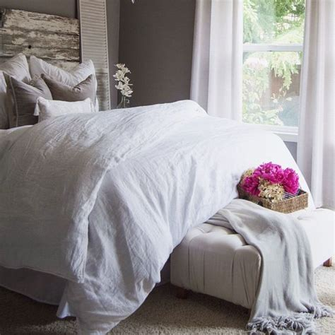 big fluffy comforter i want the big fluffy white comforter brilliant