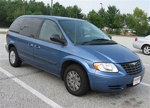 Chrysler Town And Country Mini Van 1997