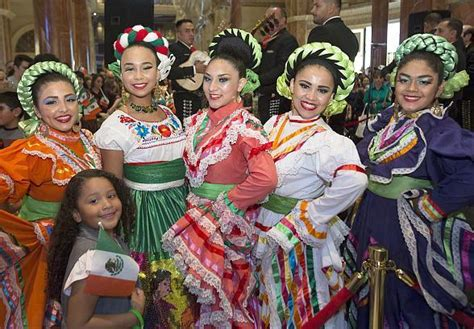 Mariachi, Folkloric Dancers to Fill The Forum Shops at ...