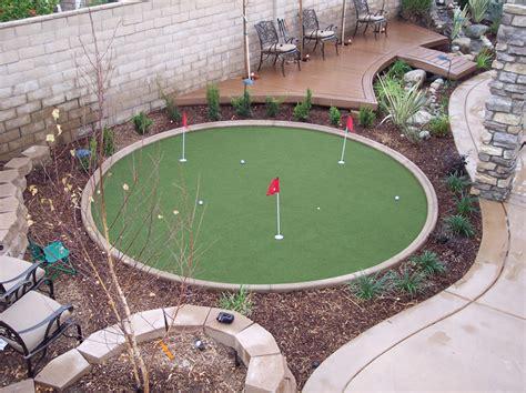 small backyard putting green schubert landscaping com waterless grass and golf greens